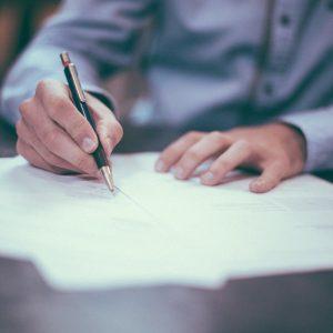 Consulter un notaire à Niort pour choisir la bonne forme sociale de son entreprise